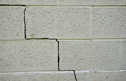 Does a Home's Foundation Crack in Summer?